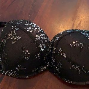 Sexy Victoria's Secret push-up bra 36C